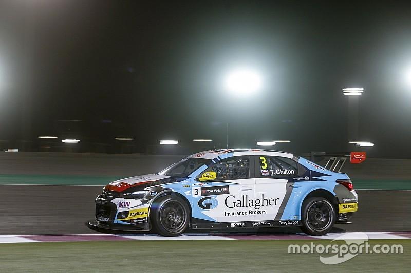 WTCC в Катарі: Чілтон виграв першу гонку в контактній боротьбі