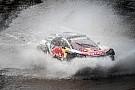 Las mejores fotos de la etapa que Sainz acabó con el cambio dañado... pero líder