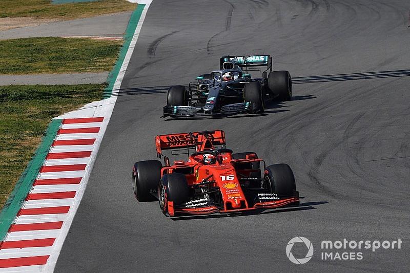 Hamilton: Ferrari misschien wel halve seconde sneller dan Mercedes