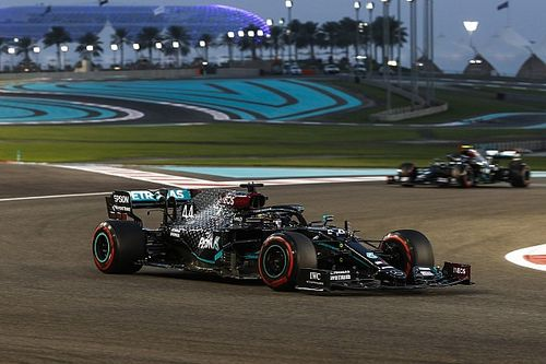 Mercedes turns down power in Abu Dhabi amid MGU-K concerns