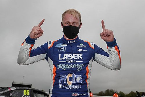 Thruxton BTCC: Sutton tops qualifying thriller