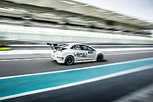 TCR Middle East Gara Vittoria sudatissima per Josh Files in Gara 1 ad Abu Dhabi