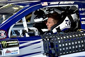 NASCAR Cup Reporte de prácticas McMurray se pone al frente en la primera práctica en Kentucky