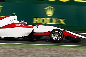 GP3 Отчет о гонке Де Врис выиграл гонку, Леклер столкнулся с напарником