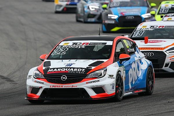 HP Racing raddoppia: ecco le Opel Astra per Proczyk e Wankmüller