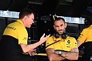 Формула 1 Абитбуль начал сомневаться в подходе Renault к развитию мотора