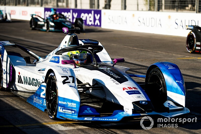 Penalised Sims adamant he didn't hit Mortara