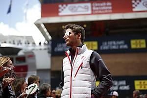 Forma-1 Motorsport.com hírek Grosjean még mindig a Ferrariról álmodik