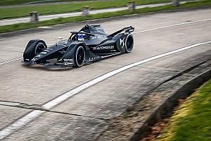 Формула E Новость «Это не гонки, а маркетинг». Глава WEC о конкуренции с Формулой Е