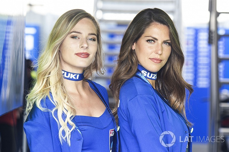 Fotogallery: ecco le grid girl del GP di Francia di MotoGP