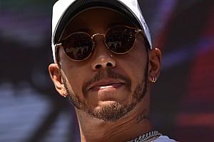 Formula E Motorsport.com hírek Hamilton újabb kellemetlensége: törölte is a posztját