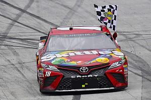 NASCAR Sprint Cup Crónica de Carrera Kyle Busch supera a Larson para vencer en Bristol