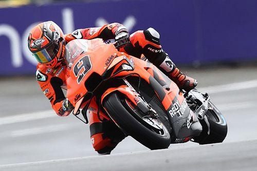 MotoGP, Le Mans, Warm-Up: zampata di Petrucci sul bagnato