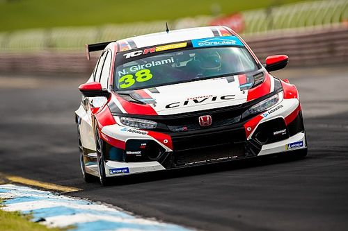 Sandown TCR: Girolami debuta con pole