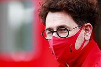 "Chefe da Ferrari rebate Vettel: ""Poderia esperar ainda mais do segundo piloto"""