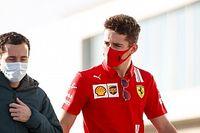Hamilton rádióját hallotta Leclerc