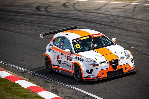 Tasmania TCR: Cox takes first victory