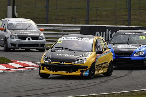 Swinging Sixties provides plenty of action on second club motorsport weekend
