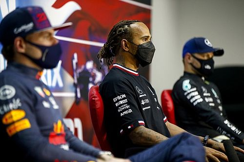 """Verstappen: ''F1, Hamilton'ın başarılarının hakkını vermeli"""""""