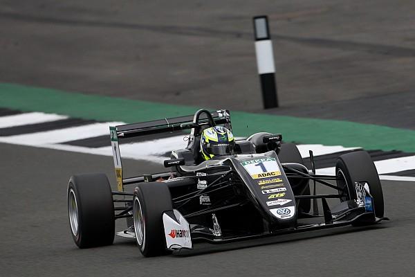 F3-Euro Reporte de la carrera El protegido de BMW Eriksson gana la segunda manga de la FIA F3 en Silverstone