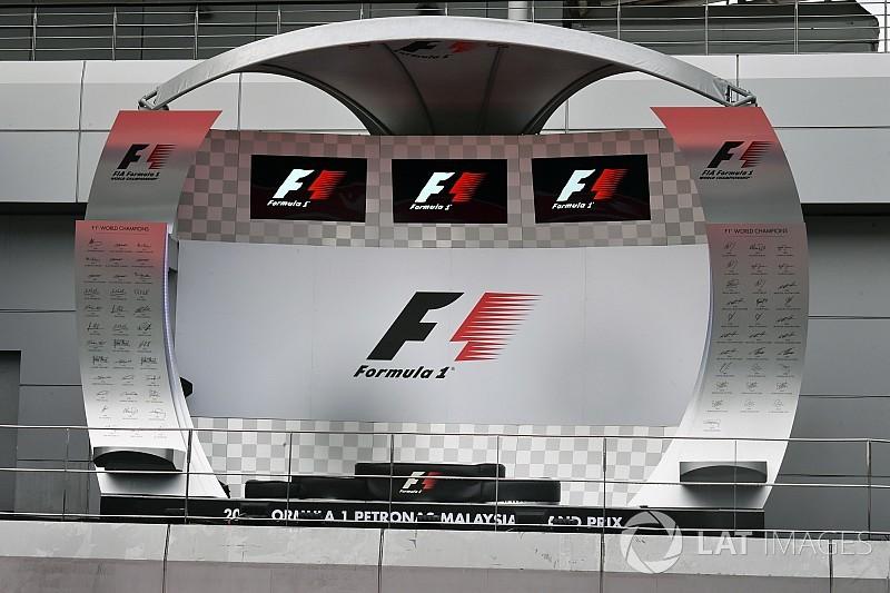Az összes F1-es versenyző a dobogón: viszlát, Malajzia