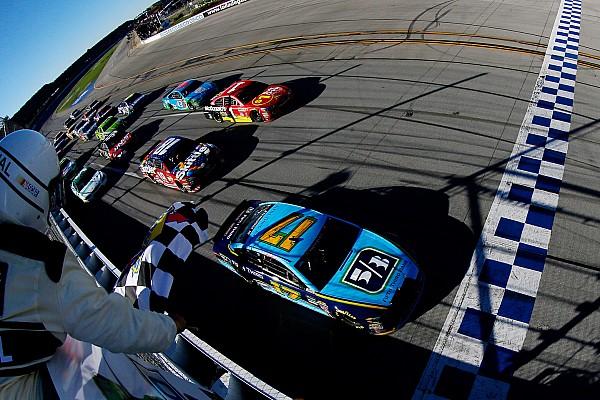 NASCAR Livefeed Elképesztő befutó a NASCAR-ban