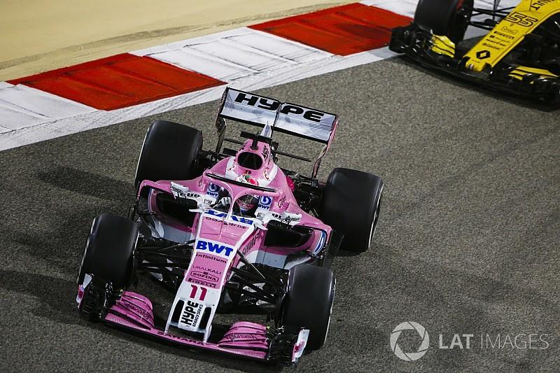 Pérez y Hartley penalizados por su error en la vuelta de formación