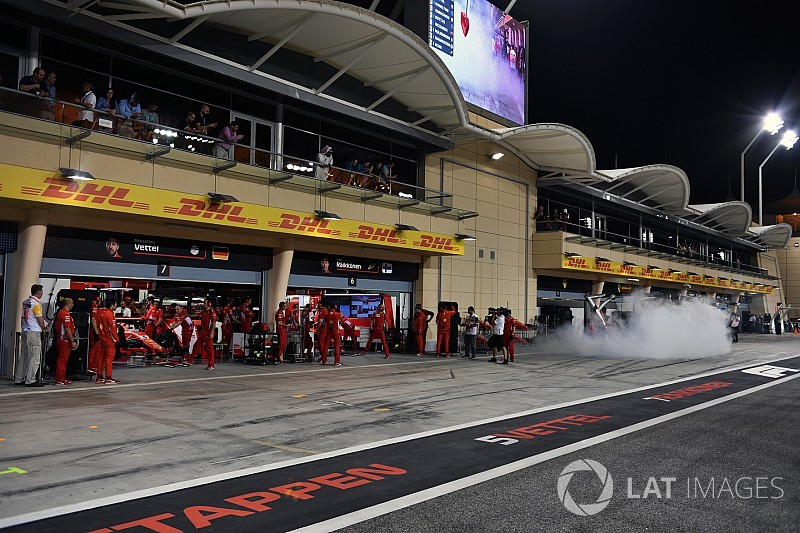 "Mercedes, garajını ""dumana boğan"" Ferrari'den rahatsız"