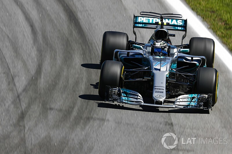 Mercedes prueba soluciones aerodinámicas para erradicar sus problemas