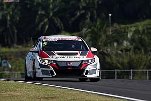 TCR Репортаж з гонки TCR у Сепангу: Колчіаго здобуває свою першу перемогу в першій гонці