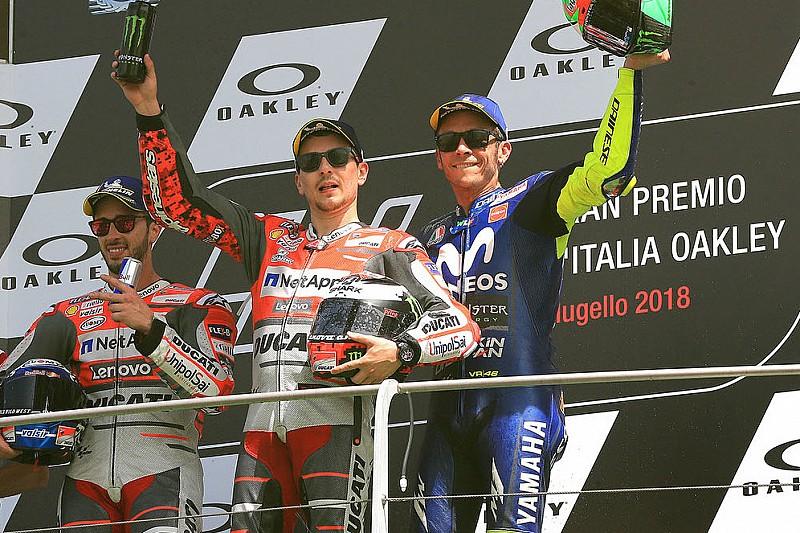"""Rossi: """"Con Honda, Lorenzo será un rival difícil para todos"""""""