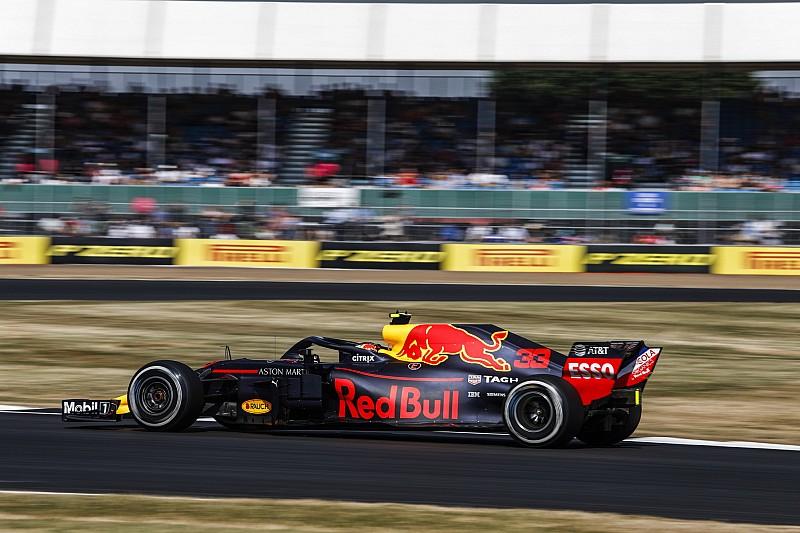Verstappen, Ricciardo'yu yarım saniye farkla geçtiği için mutlu