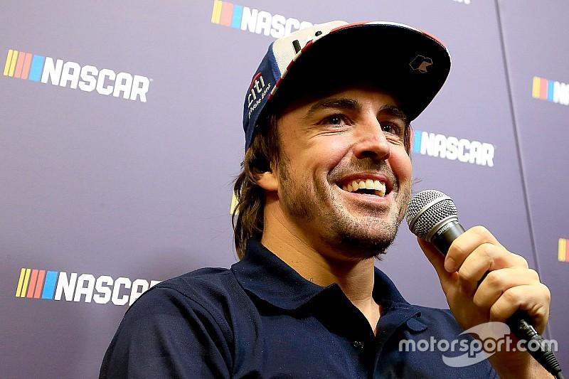 Alonso vor NASCAR-Test in Johnsons Chevy: