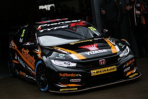 BTCC Qualifying report Thruxton BTCC: Neal sets new lap record en route to pole