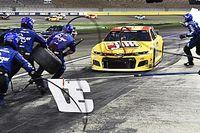 Одна из гонок NASCAR в 2021 году пройдет на грунте
