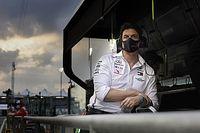 Wolff: az F1-nek mindenképpen ki kell próbálnia a sprintfutamokat