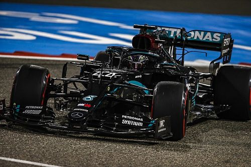 Bahrain GP: Hamilton storms to pole ahead of Bottas