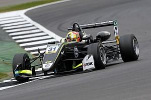 Евро Ф3 Отчет о гонке Норрис выиграл первую гонку Ф3 в Сильверстоуне, Шумахер – 8-й