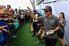 Életre szóló élményt szerzett egy japán rajongójának Fernando Alonso