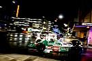 Vintage Konvoi mobil F1 pecahkan kesunyian malam jalan raya Adelaide