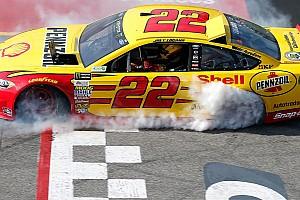 NASCAR Cup Últimas notícias Logano perde vaga de playoff após irregularidade em Richmond