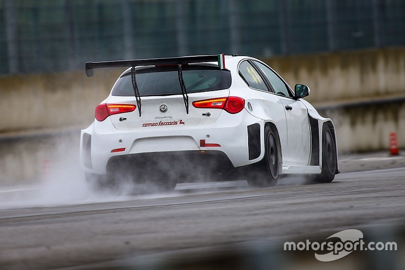 Fotogallery: il test di Motorsport.com con l'Alfa Romeo Giulietta WTCR