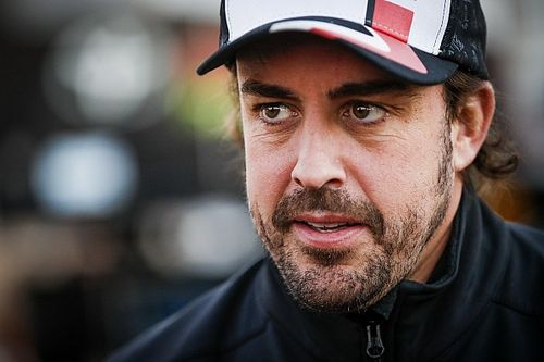 Fernando Alonso signs with Renault F1 team for 2021 season