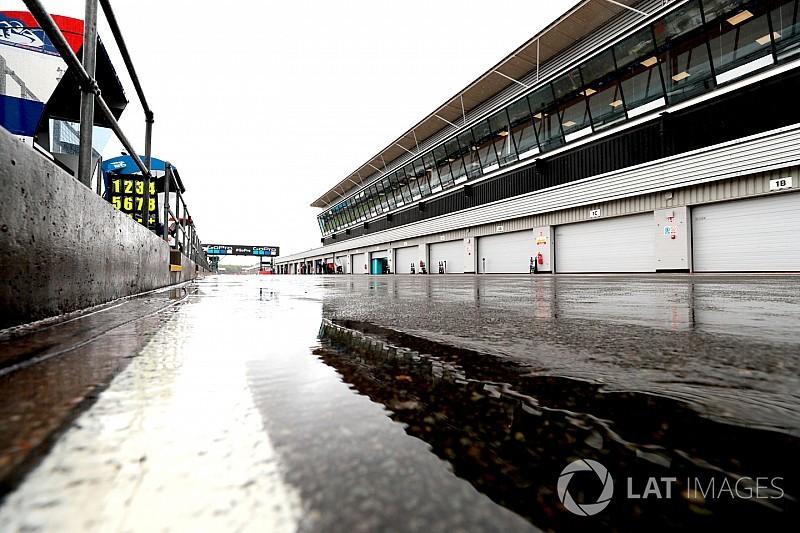 Silverstone yeni pist yüzeyini savunuyor