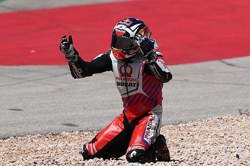 Zarco se fue al suelo en Portimao por un problema de marchas de Ducati