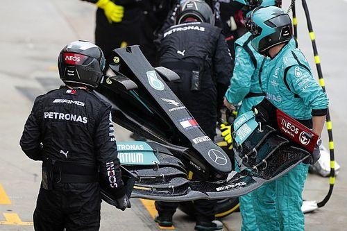 Hamilton'ın ön kanadındaki hasar, onu tur başına 0.5 saniye yavaşlatmış