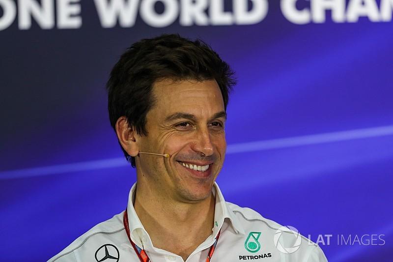 "Mercedes warnt Liberty: 2021 ""kein Bullenreiten im Paddock"""