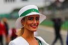 Az F1-es rajtrácslányok Silverstone-ból