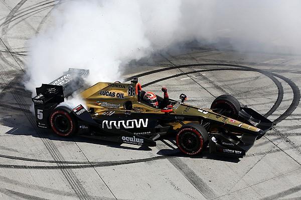 IndyCar Hinchcliffe espera un impulso en su carrera tras Long Beach