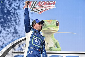 NASCAR Cup Relato da corrida Stenhouse Jr. vence pela 1ª vez e vê